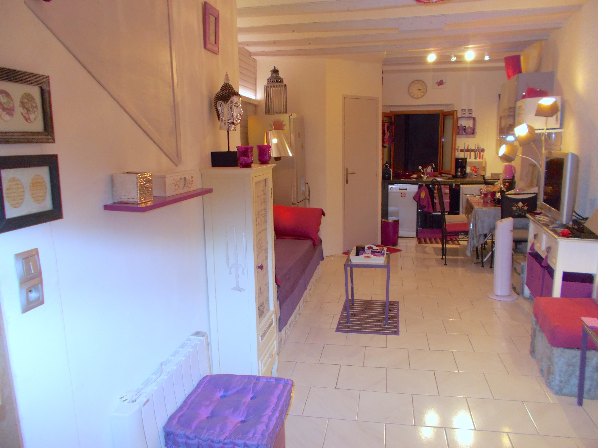 vente exclusivite menton vieille ville studio de 30 m2 avec coin nuit en dernier etage. Black Bedroom Furniture Sets. Home Design Ideas